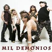 Mil Demonios