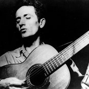 Woody Guthrie 077f268900a34027c0bee121097e15fb