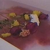 Hay Flores Flotando en el Agua