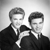 The Everly Brothers 28c22b03adc94629950679200931f58f