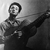 Woody Guthrie 3df8708f239943e996ecfd9318693c2c