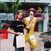 Kurt Cobain 405d301ae2dd4e418604e28267516aae