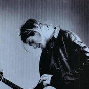 Kurt Cobain 6baa9fdc366e484db2c0283c72ee0b22