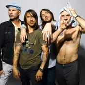 Red Hot Chili Peppers 6f74a2381e1f47e1844121175adc0fbb