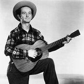 Woody Guthrie 704f342e17c2493493f5accf372255ae