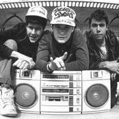 Beastie Boys 86a374472c0548dd9cae84abee533cb0