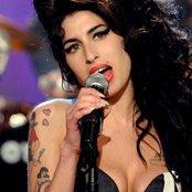 Amy Winehouse be42125895144a92cada79d0dea6e580