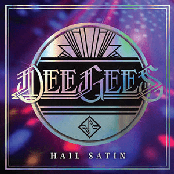 Dee Gees / Hail Satin - Foo Fighters / Live