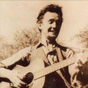 Woody Guthrie cb1dd565f1ac4945ab264c5b0e4e11eb