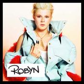 Robyn (UK Edition)