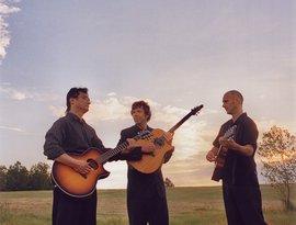 California Guitar Trio のアバター
