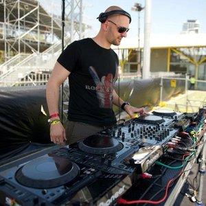 Avatar for DJ Husband