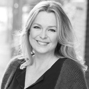 Esther Hart için avatar