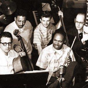 Avatar für Chico Hamilton Quintet