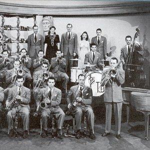 Tommy Dorsey Orchestra 的头像