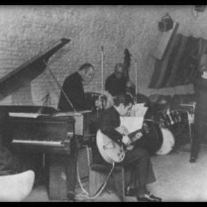 Avatar de Astor Piazzolla y su Quinteto Tango Nuevo