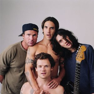 'Red Hot Chili Peppers' için resim