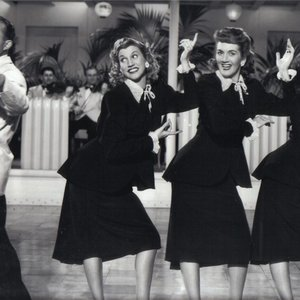 Avatar for Bing Crosby & The Andrews Sisters