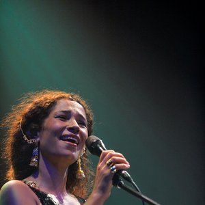 Ghalia Benali için avatar