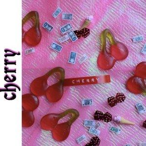 Cherry <8