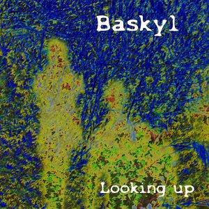 Imagem de 'Looking up'