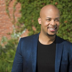 Avatar för James Fortune