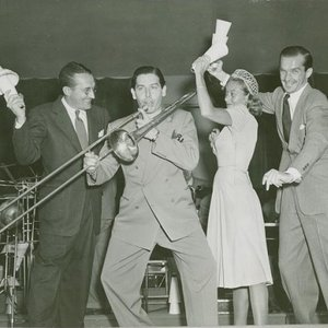 Avatar for Tommy Dorsey & His Clambake Seven