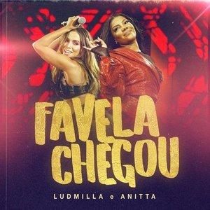 Favela chegou