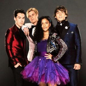 Avatar for Julie and the Phantoms Cast