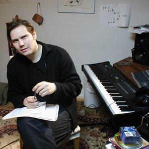 Tuomas Kantelinen 的头像