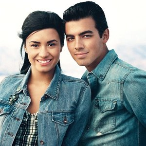 Image for 'Demi Lovato & Joe Jonas'