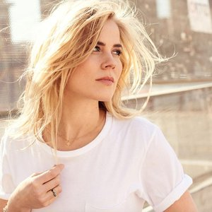 Avatar for Ilse DeLange
