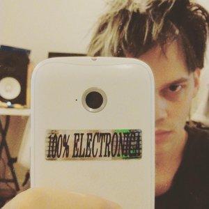 100% Electronica (Bonus Tracks)