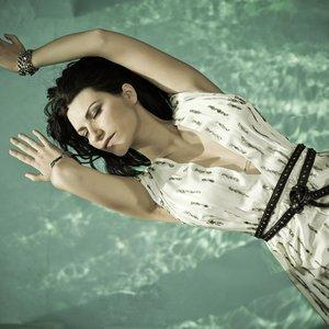 'Laura Pausini'の画像