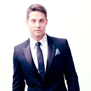 Avatar for Dean Geyer