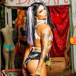 Avatar for Lia Clark