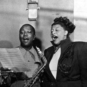 Ella Fitzgerald & Louis Jordan 的头像