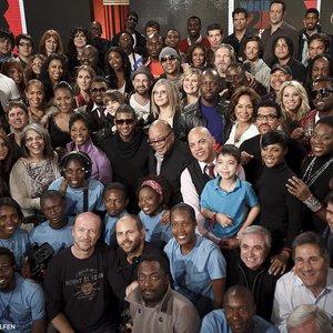 Imagem de 'Artists For Haiti'