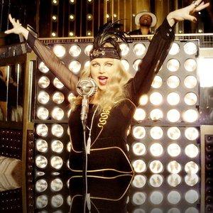 Imagem de 'Fergie, Q-Tip & GoonRock'