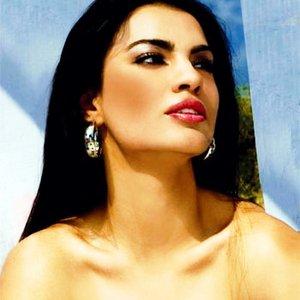 Anjeza Shahini için avatar