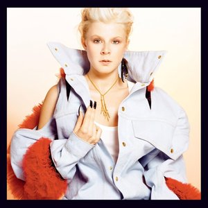 Robyn [Special Online Edition]