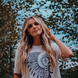 Avatar für Carly Pearce