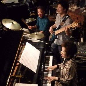 toquio bossa trio のアバター
