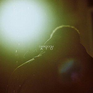 Darkroom (feat. EDEN)