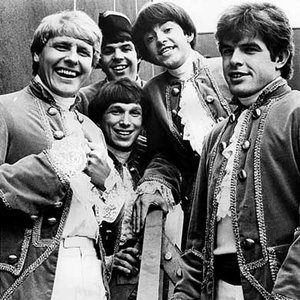 Avatar for Paul Revere & The Raiders