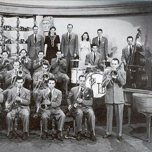 Tommy Dorsey & His Orchestra 的头像