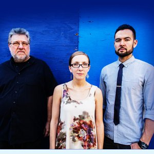 Avatar for Thumbscrew: Mary Halvorson (elg), Michael Formanek (cb), Tomas Fujiwara (dm)