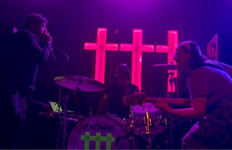 Three Crosses_7.JPG