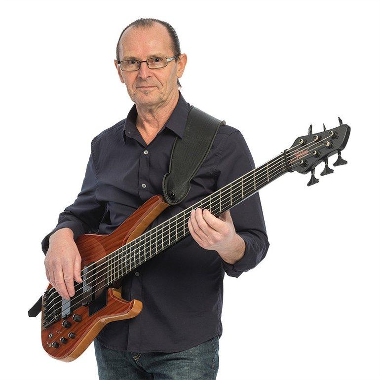 Mr-Jones-bass-player.jpg