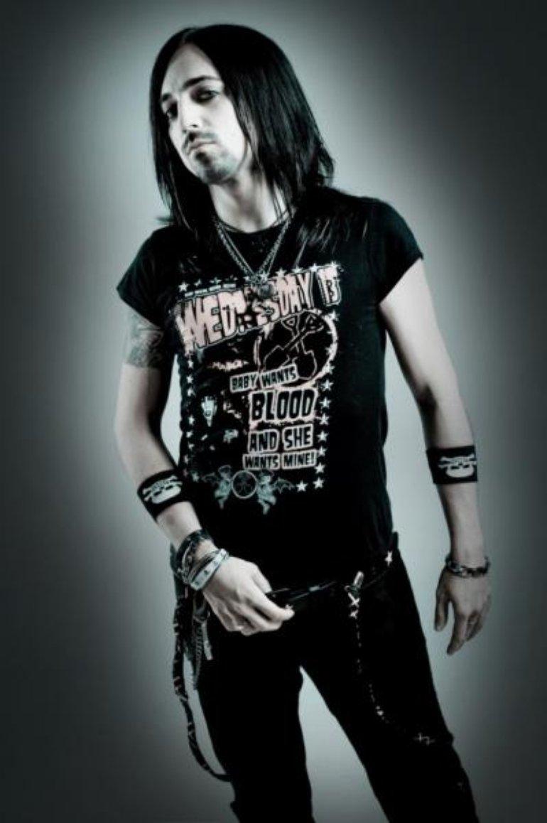 Dave (vocals)